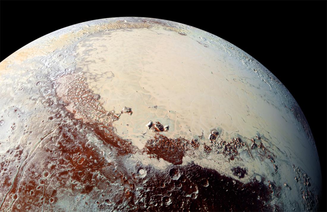 Холодную атмосферу Плутона пояснили дымкой молекул азота иметана