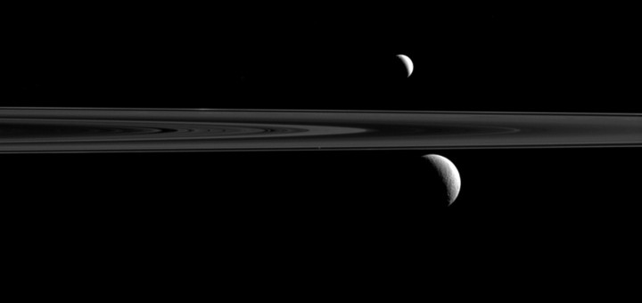 Трио спутников Сатурна. Credit: NASA/JPL-Caltech/Space Science Institute