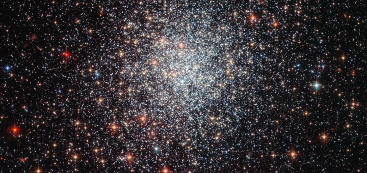 Массивное шаровое скопление NGC 1783. Credit: ESA/NASA