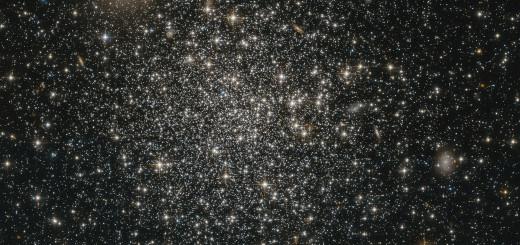 Рассеянное скопление NGC 339 в созвездии Тукан. Credit:ESA/Hubble & NASA