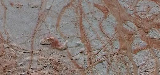 Замысловатый узор из трещин на ледяной поверхности Европы, спутнике Юпитера. Credits: NASA/JPL-Caltech/ SETI Institute