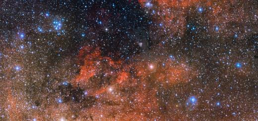 Звездное скопление Messier 18 (в верхнем левом углу) и его окрестности. Credit: ESO