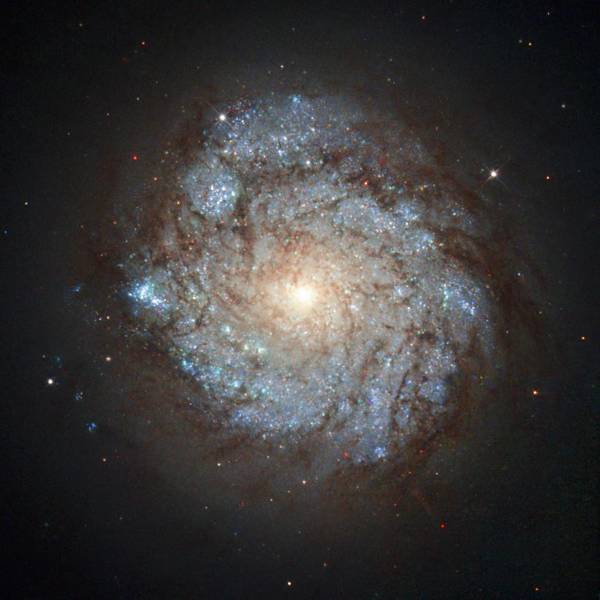 Спиральная галактика NGC 278 в созвездии Кассиопеи. Credit ESA  Hubble & NASA and S. Smartt