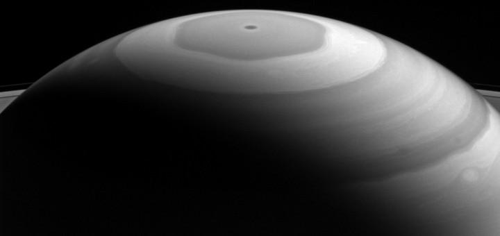 Северный полюс Сатурна. Image Credit: NASA/JPL-Caltech/Space Science Institute