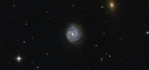 Галактика RX J1140.1+0307. Image credit: ESA/Hubble & NASA, Acknowledgement: Judy Schmidt