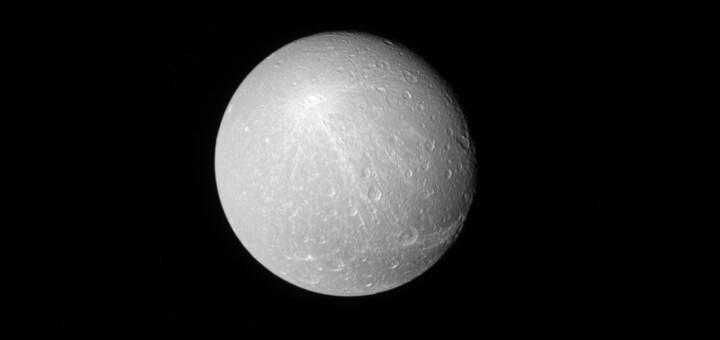 Диона. Credit: NASA/JPL-Caltech/Space Science Institute