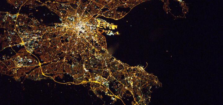 Ночной Дублин (Ирландия). Image Credit: ESA/NASA