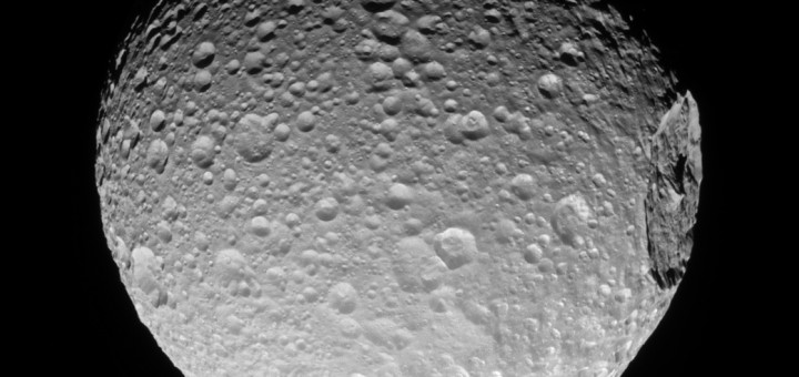 Спутник Сатурна Мимас. Credit: NASA/JPL-Caltech/Space Science Institute