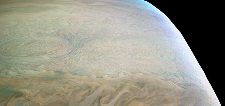 Южные умеренные широты Юпитера. Credits: NASA/JPL-Caltech/SwRI/MSSS/Bjorn Jonsson
