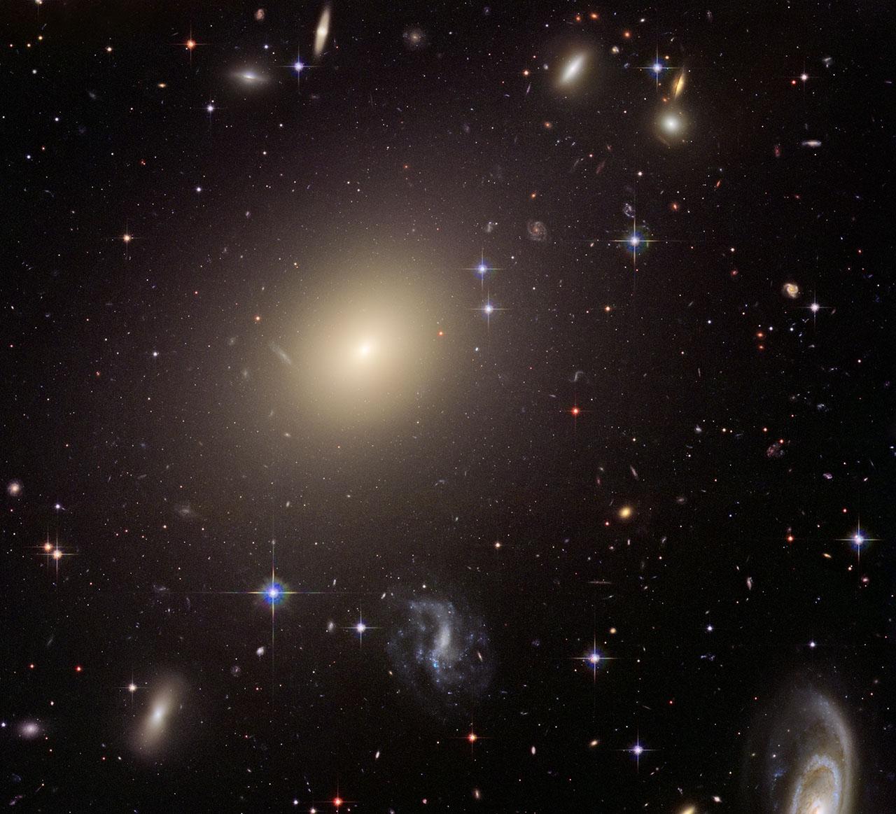 Ученые проливают новый свет наприроду черной материи