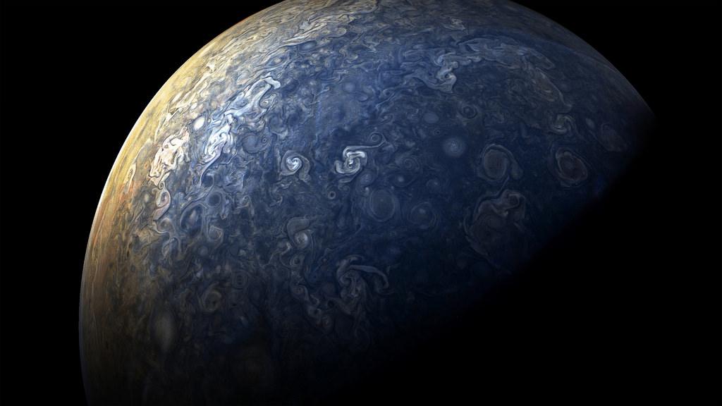 NASA опубликовало новые необычные фотографии Юпитера