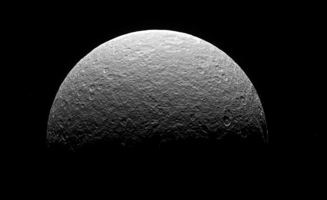 Прощание сСатурном: эпическое изображение планеты изснимков Кассини