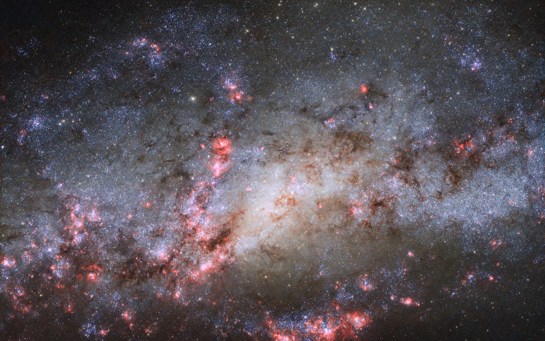 hubble galaxy collision - 1200×601