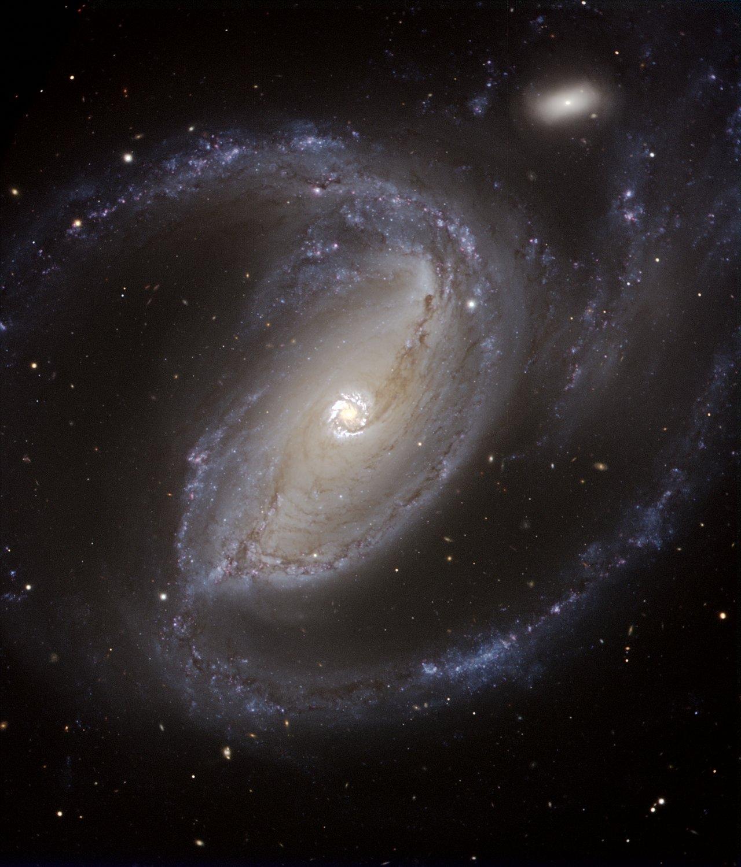Астрономи отримали детальний знімок далекої спіральної галактики. ФОТО